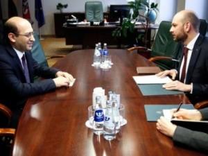 Armėnijos ambasadorius informavo Lietuvos užsienio reikalų viceministrą apie Azerbaidžano agresiją